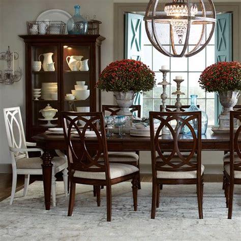 6 Set Cangkir Dan Lepek Elegan set kamar jati milimalis dengan desain eropa yang sangat mewah dan elegan yang kami khusus