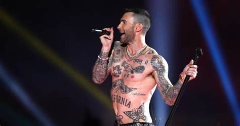 maroon 5 tattoo the 2019 bowl halftime show was a trainwreck