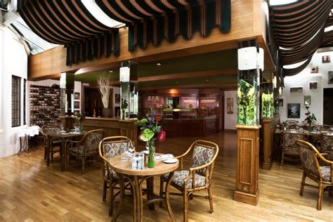 Le Patio Restaurant by Restaurants Celtic Manor Resort The Golf Butler