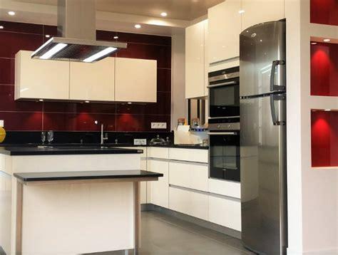cuisine design avec 238 lot central les bains et cuisines d cuisine ilot central with cuisine moderne design