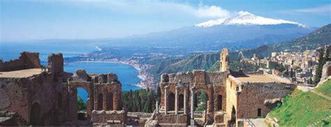 giardini naxos taormina riviera paesaggi etnei da catania a taormina 171 italia magazine