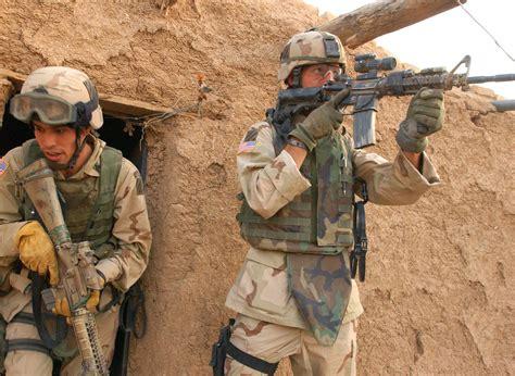 R 2004 Ala Army irak se ve arrastrado hacia la guerra en siria panorama