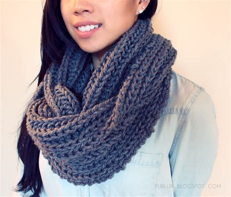 infinity scarf knitting pattern beginners free easy beginner knitting pattern for a chunky knit grey
