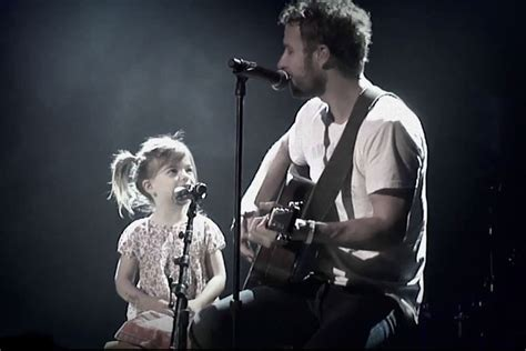 Dierks Bentley S Daughter Makes Her Stage Debut With Dad