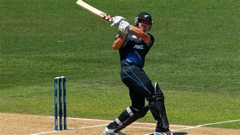 swing cricket india vs new zealand 5th odi live cricket score openers
