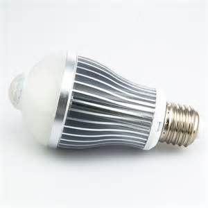 Outdoor Sensor Light Bulbs 6 Watt Led A19 Globe Bulb With Motion Sensor Motion Sensor Lights Led Home Lighting
