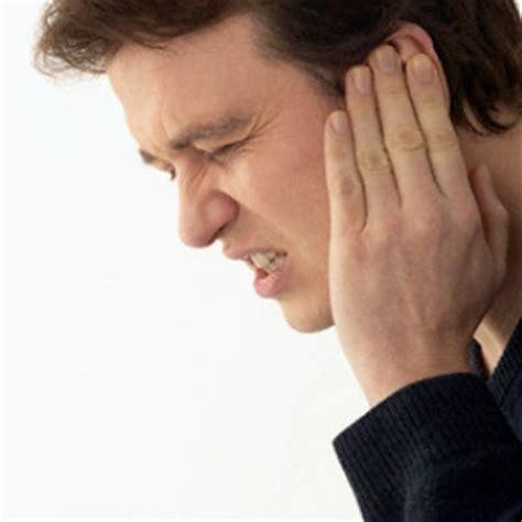 sore ear 9 common symptoms of earache how to identify the symptoms of earache health care a