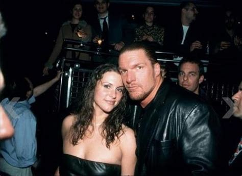 stephanie mcmahon asks triple h to sign the annulment triple h and stephanie mcmahon novel notes stramash