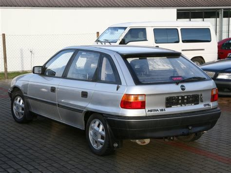 Auto Abgemeldet Neue Versicherung by Leipzig Gebrauchtwagen Angebot Opel Astra Von Autoservice