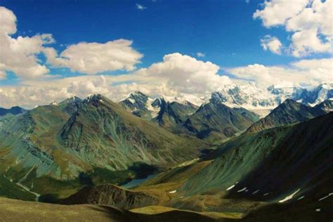Gambar Pegunungan bikin tenang ini 7 pegunungan paling indah di rusia