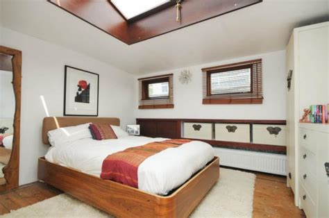 3 Bedroom Boat For Sale by 3 Bedroom House Boat For Sale In Oyster Pier Lombard Road