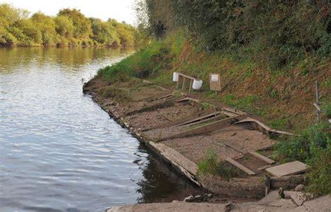 sunken river boats sunken boat in the river severn 169 ray jones cc by sa 2 0