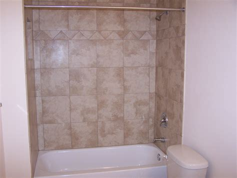 ceramic bathroom tiles 25 pictures of ceramic tile patterns for showers