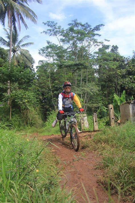 track komunitas gowes sepeda cidampit  coming