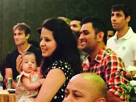 mahendra singh dhoni family childhood image gallery dhoni family