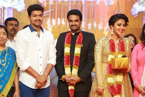 actor vijay marriage vijay in marriage function with his family