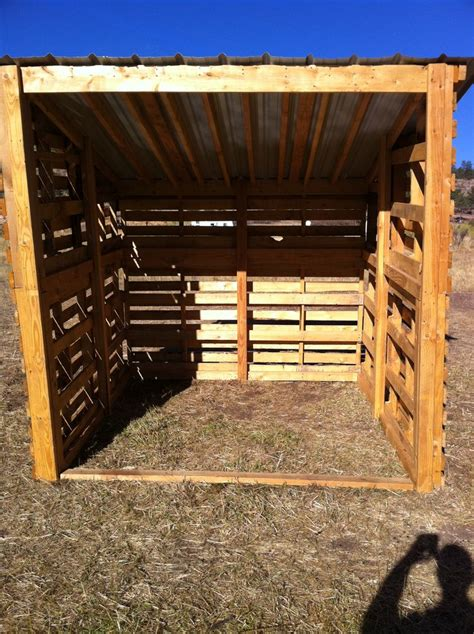 Pallet Storage Shed by 17 Best Ideas About Pallet Shed On Pallet Barn
