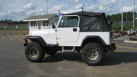 Jeep 4096 White Black jeepclassifieds 1992 lifted wrangler
