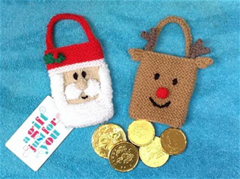 knitting pattern christmas gifts ravelry santa and reindeer christmas gift bags pattern by