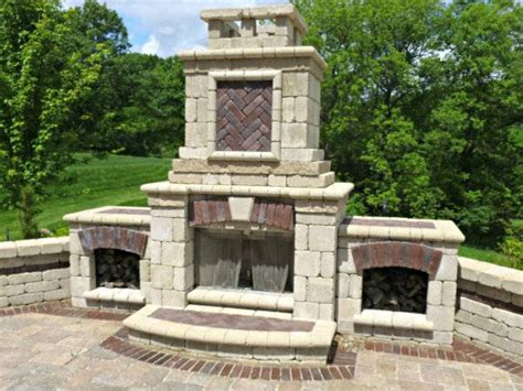 Unilock Fireplace pits fireplaces des moines iowa landscaping perennial gardens