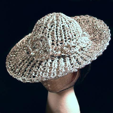 Aluminium Foil Hati tin foil hat colouring with yarn