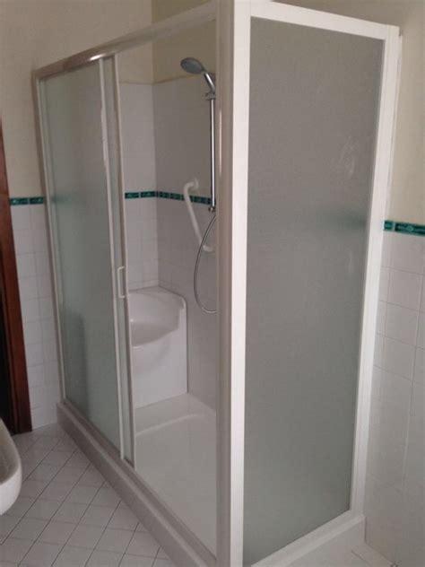 docce per disabili dimensioni bagni per disabili con doccia av54 187 regardsdefemmes