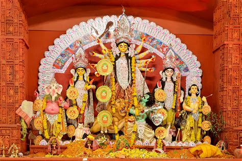 the beauty of the puja ayudha puja wikipedia