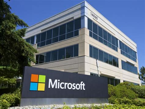microsoft building 4 microsoft reports rise in law enforcement demands for data