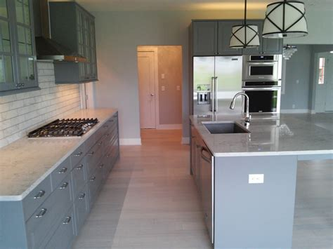 Ikea Kitchen Cabinet Fronts by Ikea Veddinge Cabinet Fronts With Modern Edge And Glass
