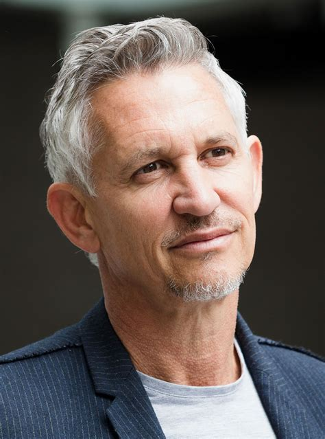 gary lineker gary lineker announces the death of his dad barry lineker