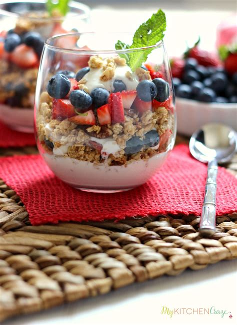 fruit yogurt granola parfait berry fruit and yogurt granola parfait my kitchen craze
