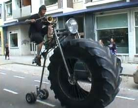 Car Tire On Bicycle Lejaun Se Vloeraf Bicycle With A