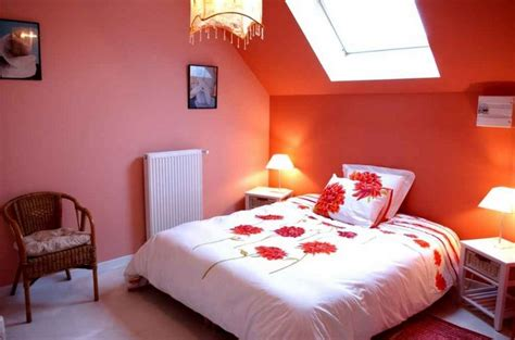ideas for small bedrooms makeover decorating ideas for small bedrooms with orange wall color
