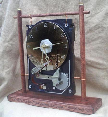 Hardisk Komputer Bekas contoh kerajinan tangan dari barang elektronik bekas