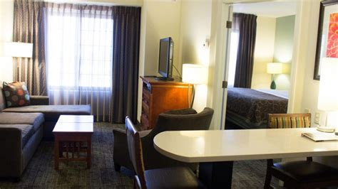 staybridge suites anaheim 2 bedroom suite staybridge suites by holiday inn