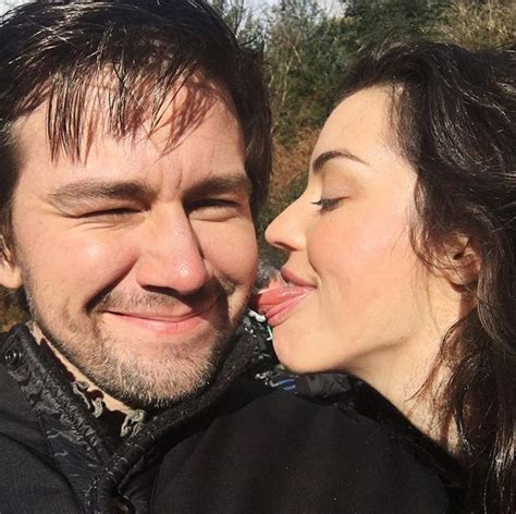 adelaide kane and torrance coombs 935 best reign images on pinterest adelaide kane reign
