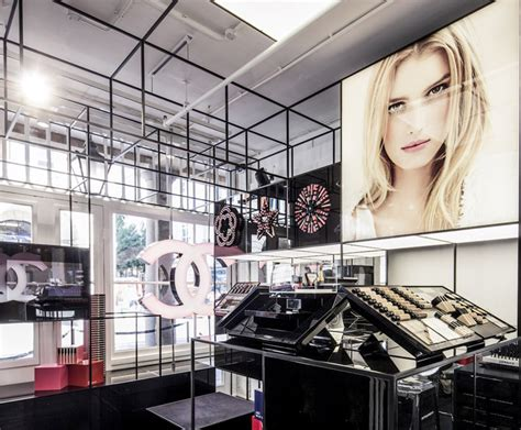 Lipstik Shop stores chanel pop up shop 187 retail design