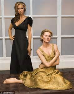 Kate Moss Gets Waxed by New Kate Moss Waxwork Unveiled For Fashion Week But