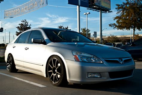 tires for 2003 honda accord how wide can the rims and tires be on the accord honda