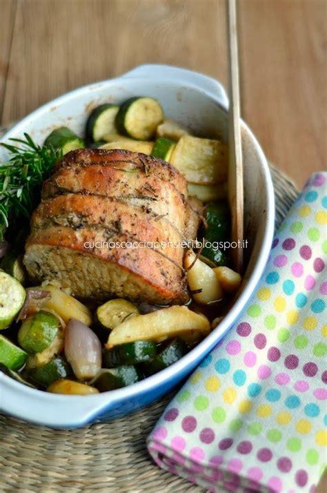 cucina arista di maiale arista di maiale al forno con scalogni patate e zucchine