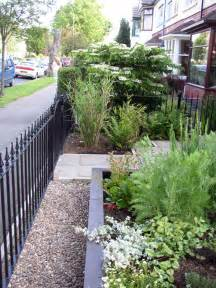 Small Front Garden Landscaping Ideas Garden Design Ideas For Small Front Gardens Home Design Ideas