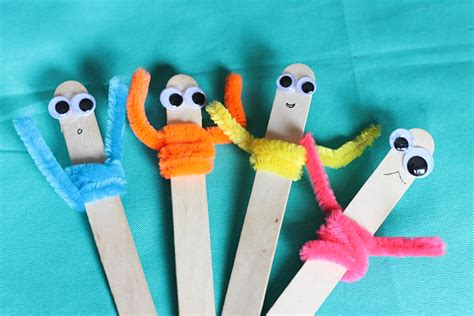crafts using pipe cleaners pipe cleaner craft popsicle pals thriving home