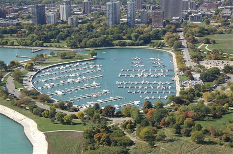 boat rental with driver chicago montrose harbor the chicago harbors in chicago il
