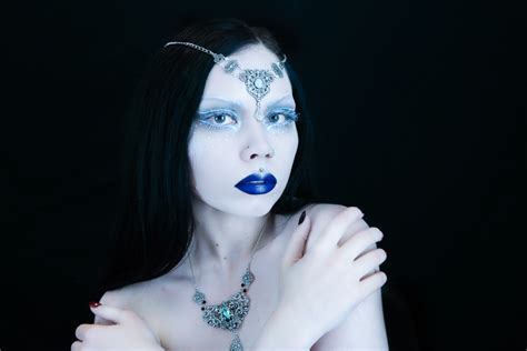tutorial video of makeup ice queen makeup tutorial by reeree phillips gothic and