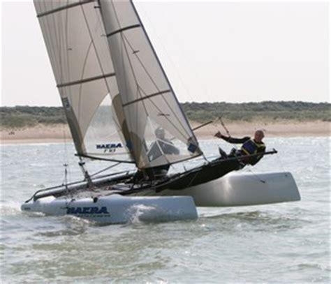 wat is een catamaran vaarvergadering nl