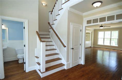 r駭 une cuisine en ch麩e peindre une cage d escalier 9 cuisine ikea veddinge