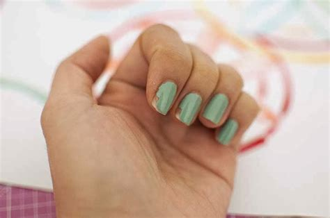 nail art tape strips tutorial the cheese thief how to save a chipped manicure a nail