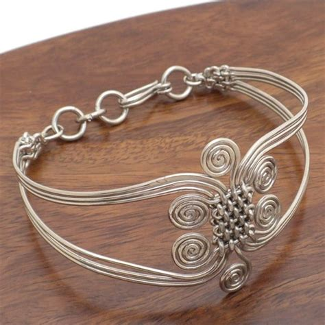 Handmade Wire Jewelry Ideas - 493 best images about wire wrapped jewelry bracelets on