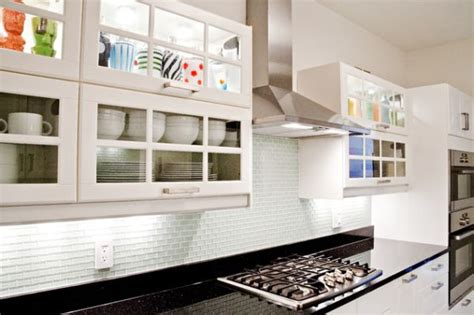 What To Display In Glass Kitchen Cabinets A Mix Of Functionality And Style In The Form Of Glass Kitchen Cabinets