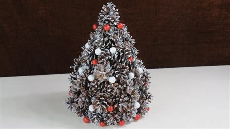 weihnachtsbaum deko basteln weihnachten deko aus tannenzapfen tannenbaum cristmas